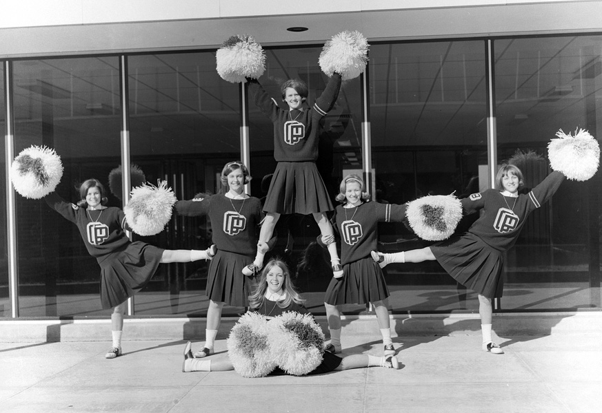 1966-1967-Cheerleaders-06.jpg