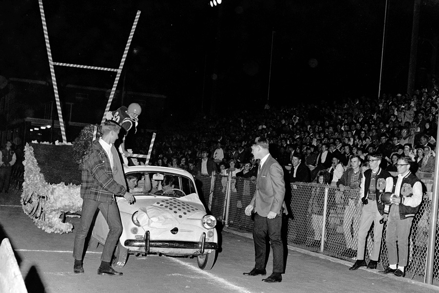 1966-1967-Homecoming-10.jpg
