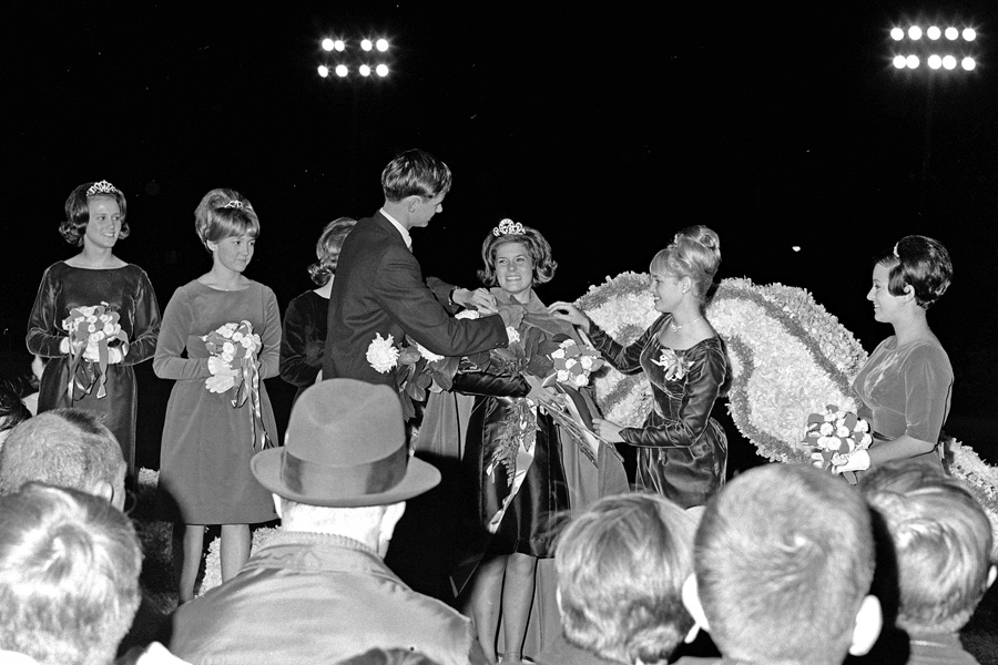1966-1967-Homecoming-21.jpg