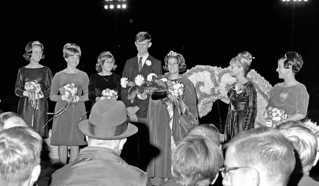 1966-1967-Homecoming-22.jpg
