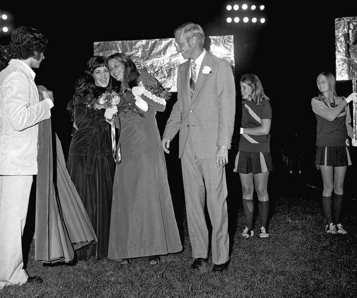 1974-1975-Homecoming-16.jpg