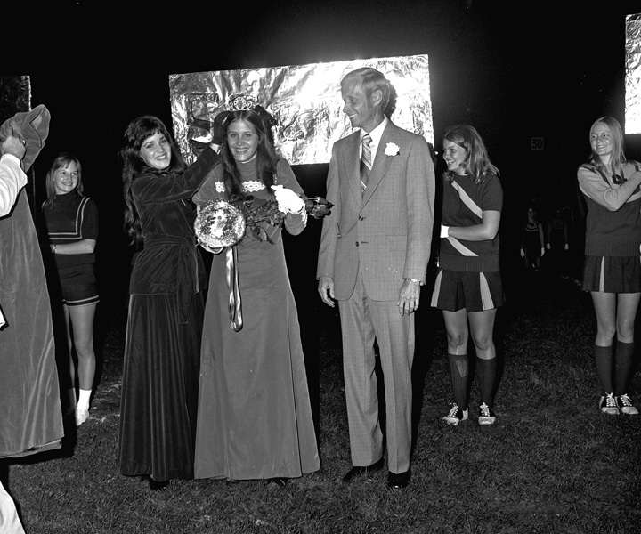 1974-1975-Homecoming-17.jpg