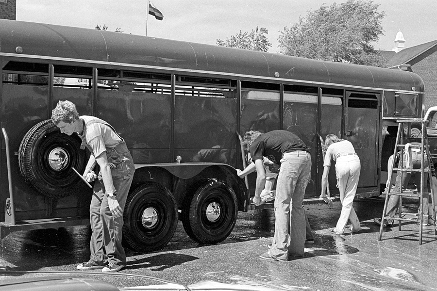 1977-1978-Stuco-CarWash-02.jpg