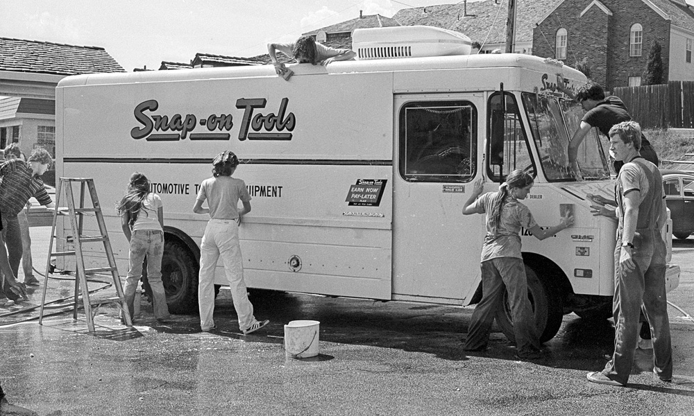 1977-1978-Stuco-CarWash-07.jpg