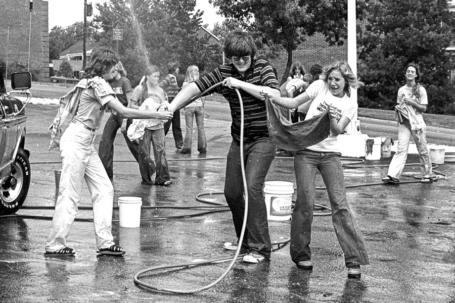 1977-1978-Stuco-CarWash-24.jpg