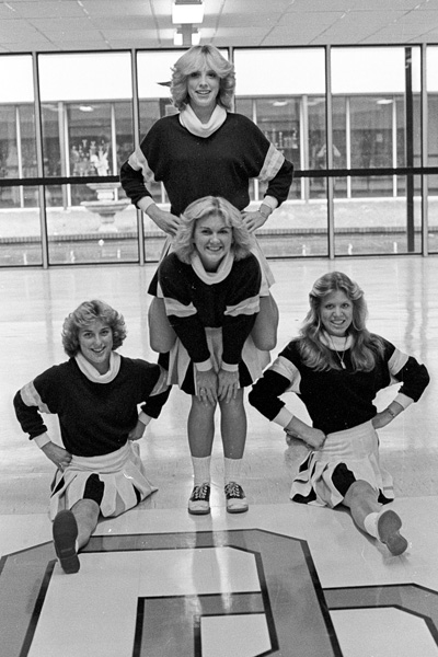 1979-1980-Cheerleaders-20.jpg