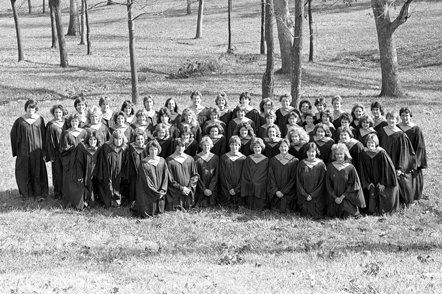 1982-1983-AcapellaChoir-02.jpg