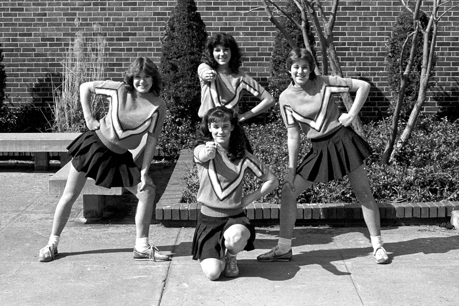 1982-1983-Cheerleaders-03.jpg