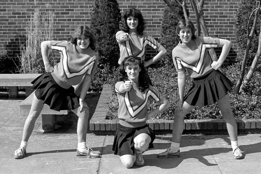 1982-1983-Cheerleaders-04.jpg
