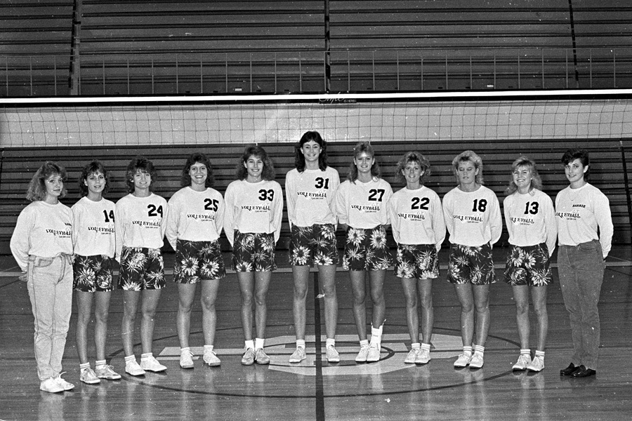 1986-1987-Volleyball-01.jpg