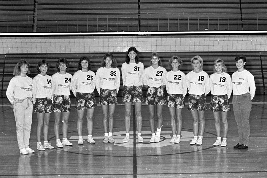 1986-1987-Volleyball-02.jpg