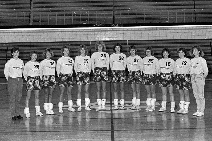 1986-1987-Volleyball-03.jpg