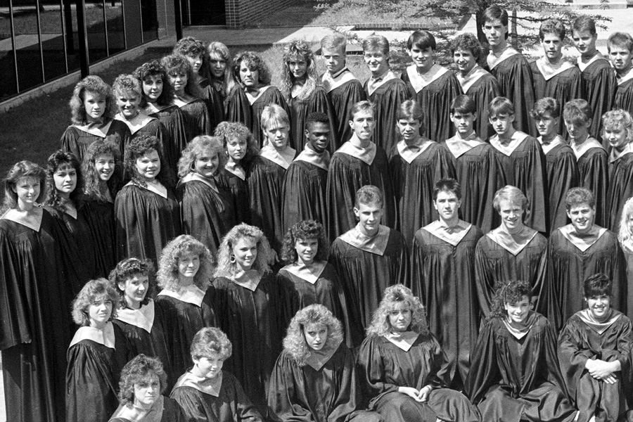 1987-1988-AcapellaChoir-02.jpg